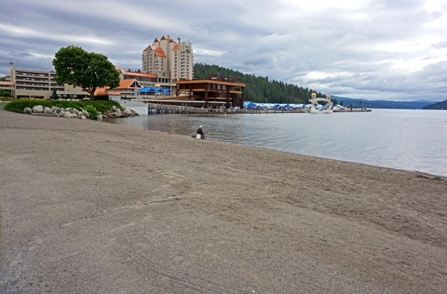 Coeur d'alene Waterfront...  Yeah dogs allowed!